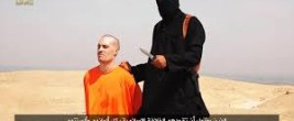 James Foley is beheaded by an Islamic terrorist with a British accent. Note the small knife he is holding in his hand. The goal is to kill slowly.